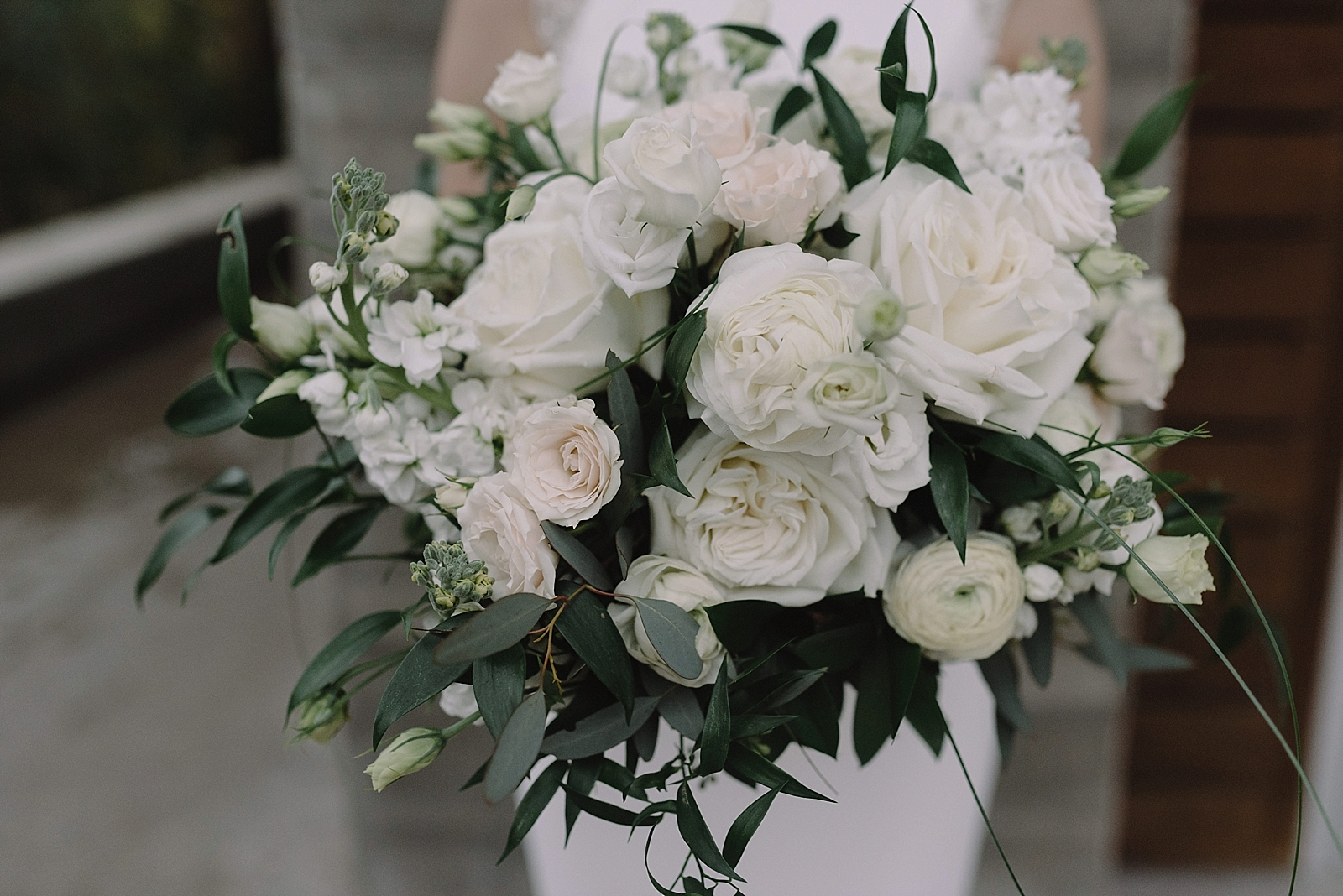 Textured greenery and green bridal bouquet details